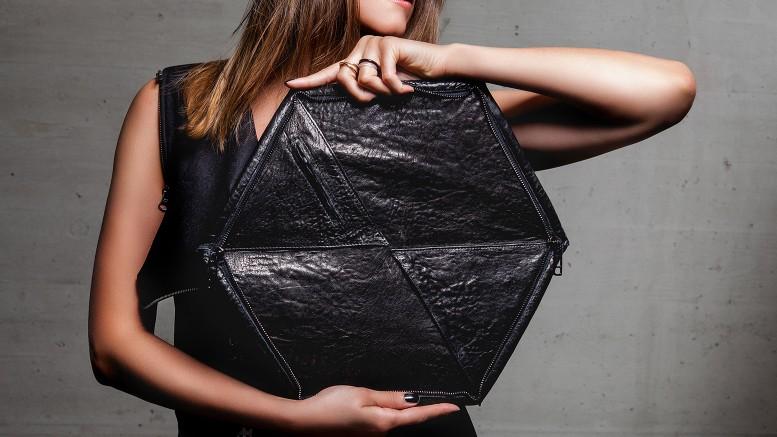 13&9 Design_GEOMETRIC COLLECTION BAGS_HEXAGON CLUTCH_open 1®Markus_Mansi_MOMA