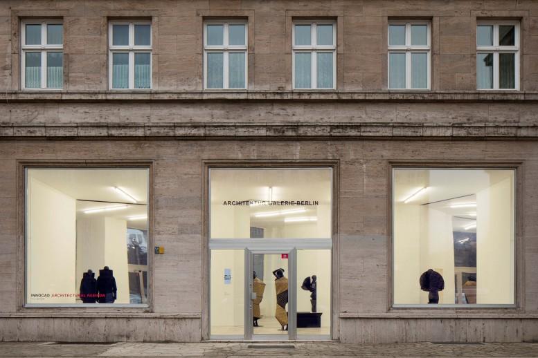 INNOCAD_ArchitekturGalerieBerlin_ArchitecturalFashion_9633_bearbeitet_klein®Jan-Bitter